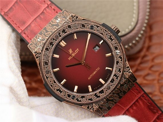 Hublot Classic Fusion 45mm Engravings Case SRF Red Dial Gummy Strap WT01755
